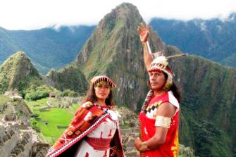 Machu Picchu con el Inca