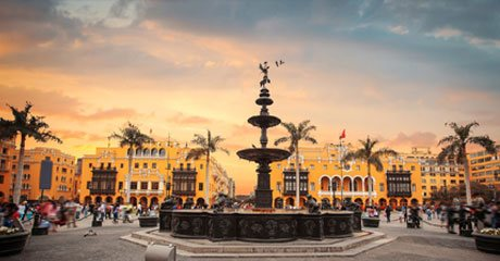 Plaza de Armas Lima Atardecer